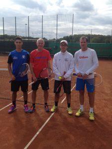 Gabriel Jakubian und Matthias Böhm unterlagen im Finale Toan Le und Michael Kunz (von links) mit 6:3, 6:1