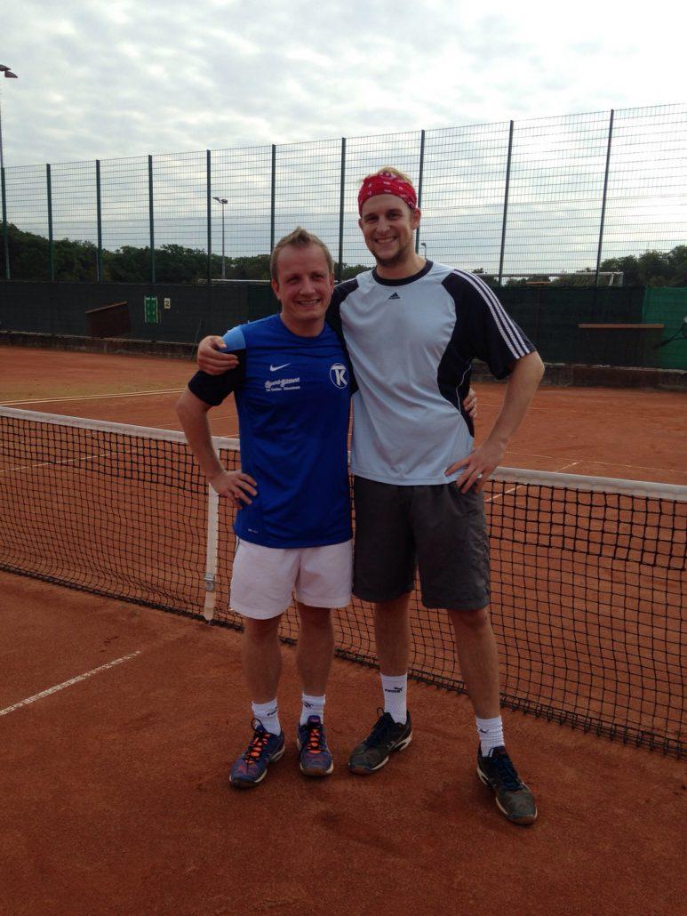 Julien Kunz (rechts) siegte mit 6:4, 6:4 gegen Christian Müller